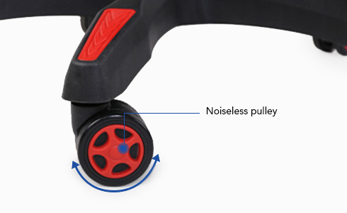 The noiseless pulley will support your movements and change of direction so you can move freely with your feet off the floor.